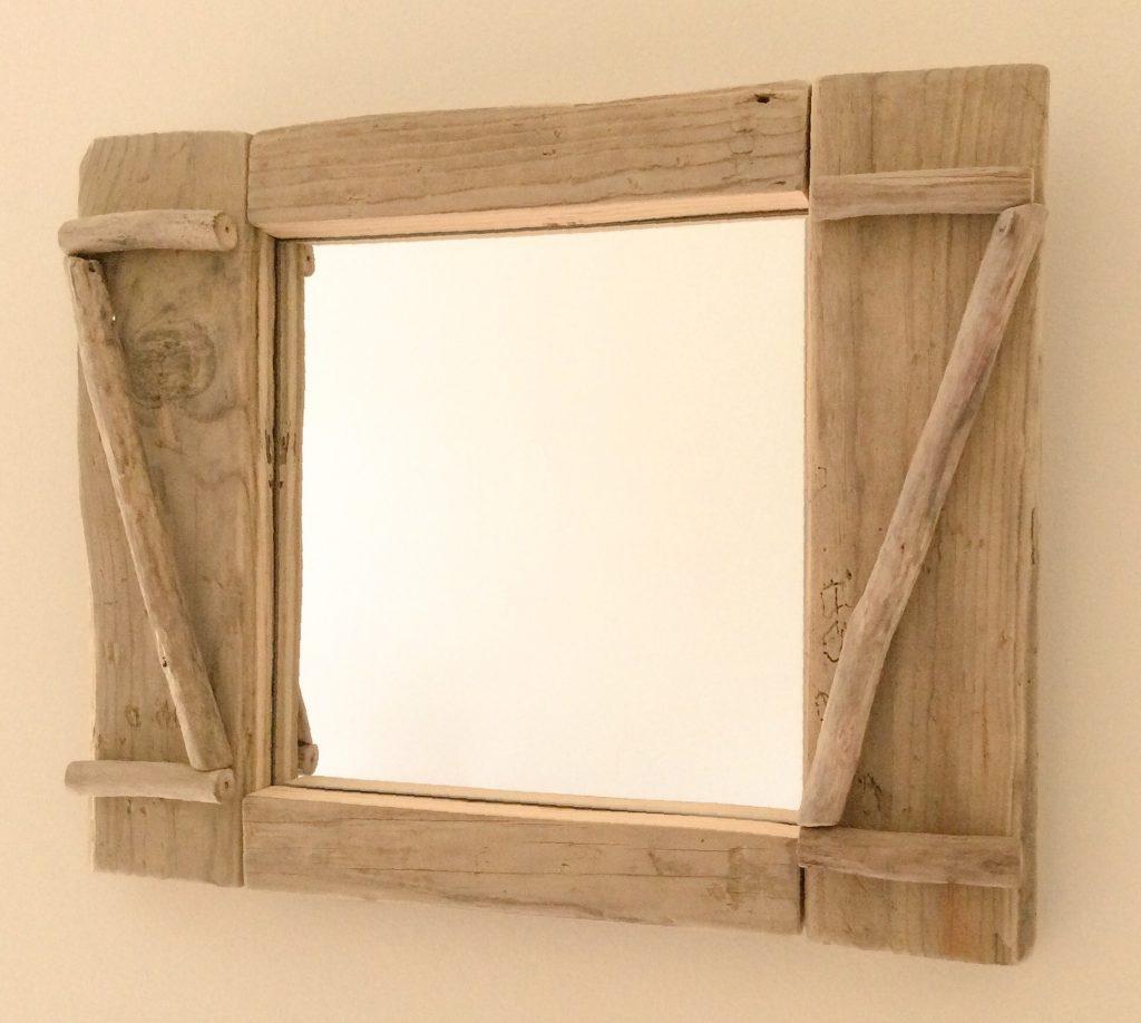 Miroir saint rivoal for Comment faire un miroir en bois flotte