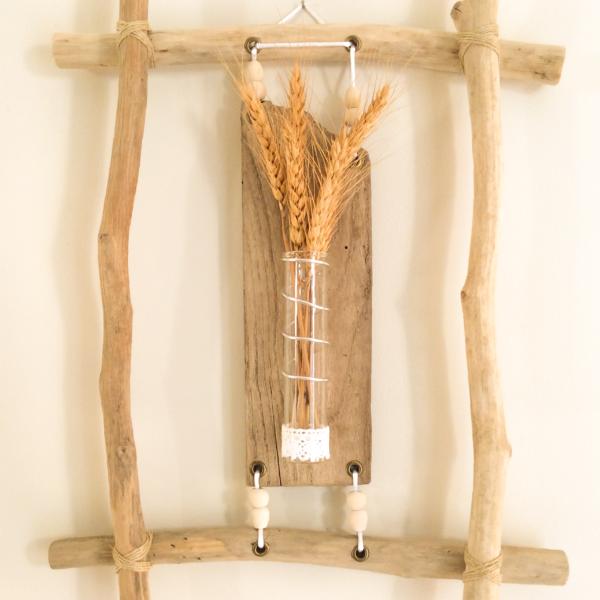 Cadre en bois flotté et soliflore Brélévenez