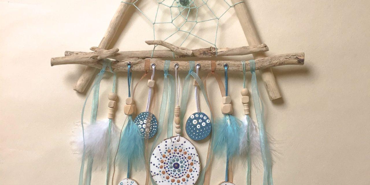 TUTO – Comment fabriquer un attrape-rêves en bois flotté